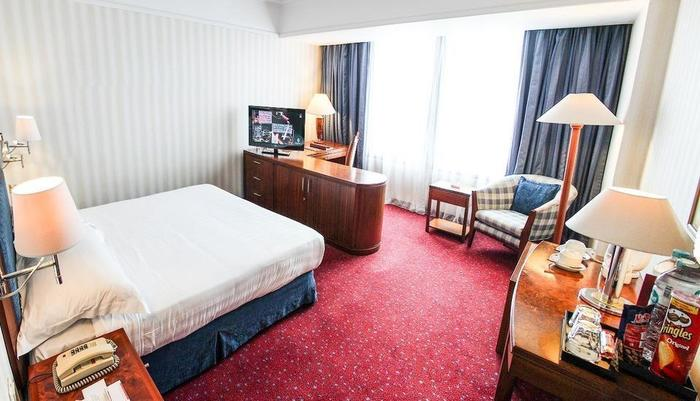 Redtop Hotel & Convention Center Jakarta - Superior Room