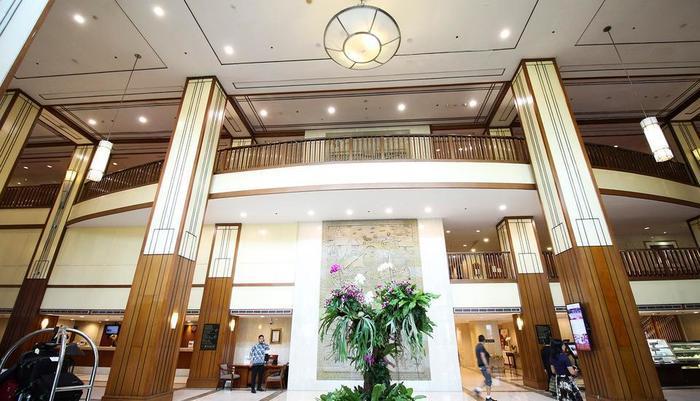 Redtop Hotel & Convention Center Jakarta - Lobby