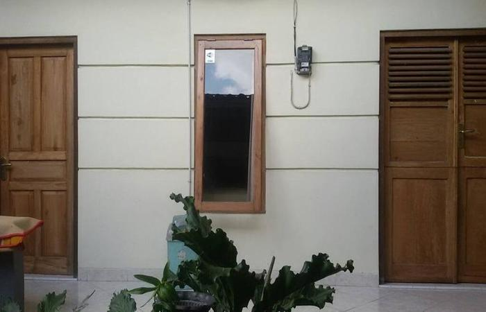 Larisa Homestay Jogja - Exterior