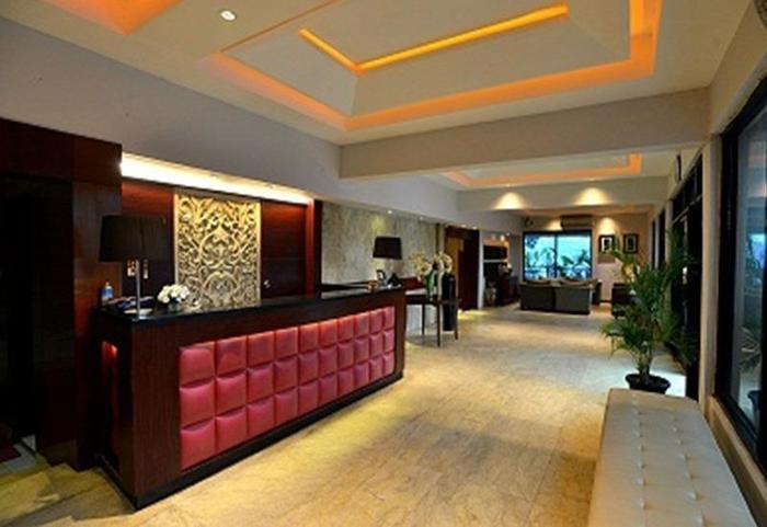 Hotel Omega Karawang - Lobi