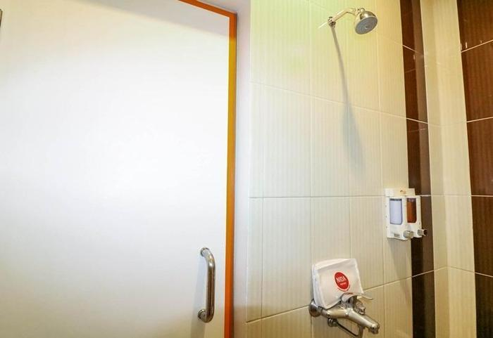 NIDA Rooms Station Malioboro Jogja - Kamar mandi