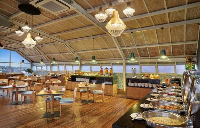 Aston Canggu Beach Resort Bali - Restaurant