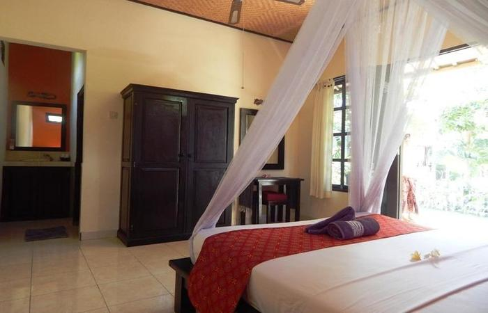 Giri Sari Guest House Bali - Rooom