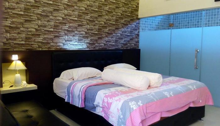 Hotel Kencana Purwodadi Grobogan - Executive Double