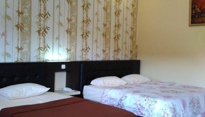 Hotel Kencana Purwodadi Grobogan - Family Room