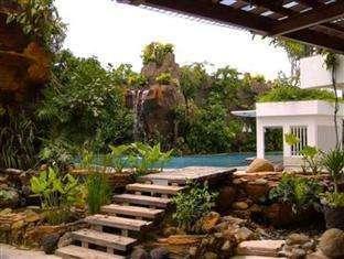 Jambuluwuk Malioboro Hotel Yogyakarta - Tropical Pool