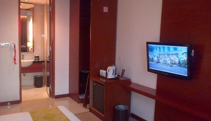 Jambuluwuk Malioboro Hotel Yogyakarta - Superior Room