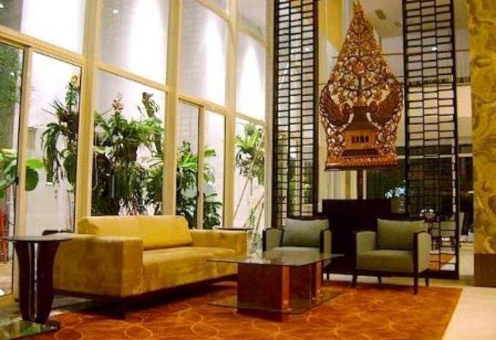 Jambuluwuk Malioboro Hotel Yogyakarta - Lobby Area