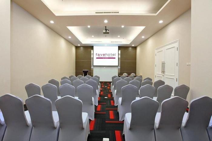 favehotel Zainul Arifin Gajah Mada Jakarta - Ruang Rapat