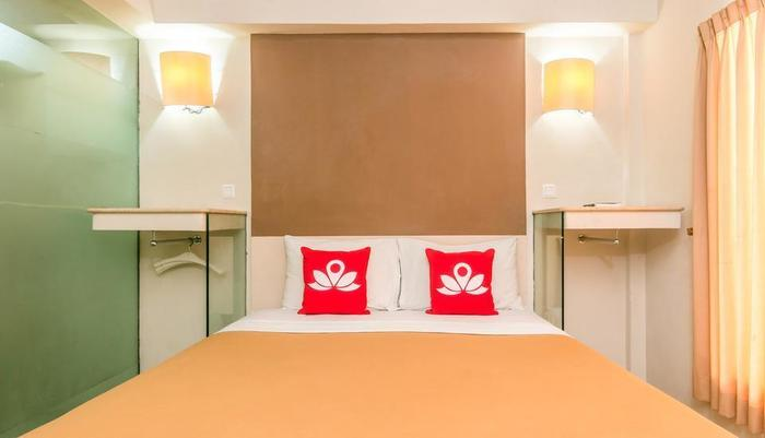 ZenRooms Sanur Bypass Ngurah Rai 1 - Tampak tempat tidur double