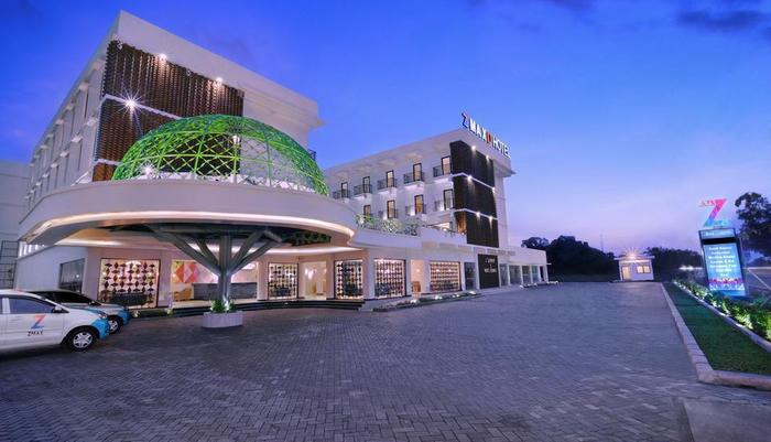 D'MAX Hotel & Convention Lombok - Tampilan Luar Hotel