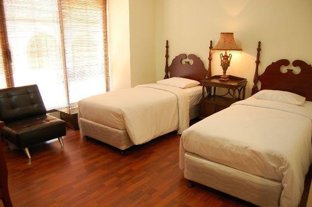 Kyriad Pejaten Suites Jakarta - Gold Suites Twin Bed