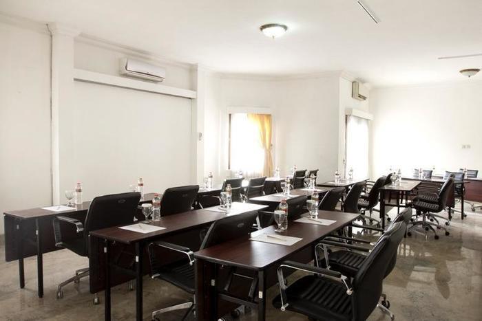 Kyriad Pejaten Suites Jakarta - Ruangan Meeting III