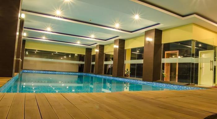 Best Western OJ Hotel Malang - Pool1