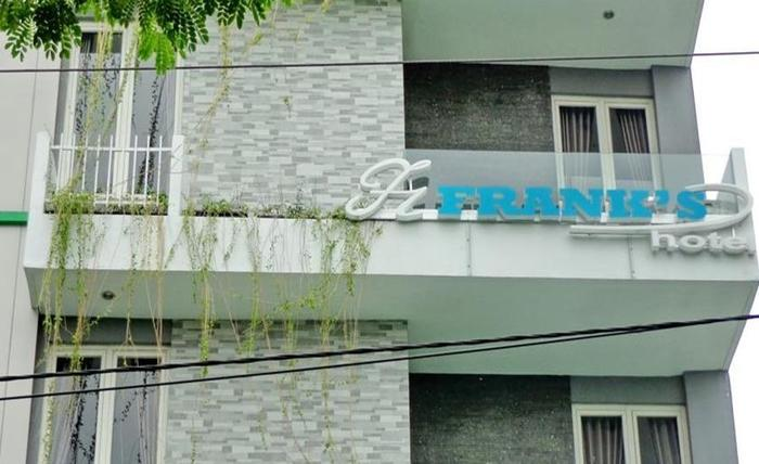 Frank's Hotel Surabaya - Eksterior
