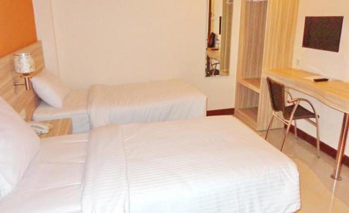 Frank's Hotel Surabaya - Kamar tamu