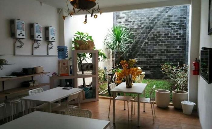 Butik Capsule Hostel Malang - Interior