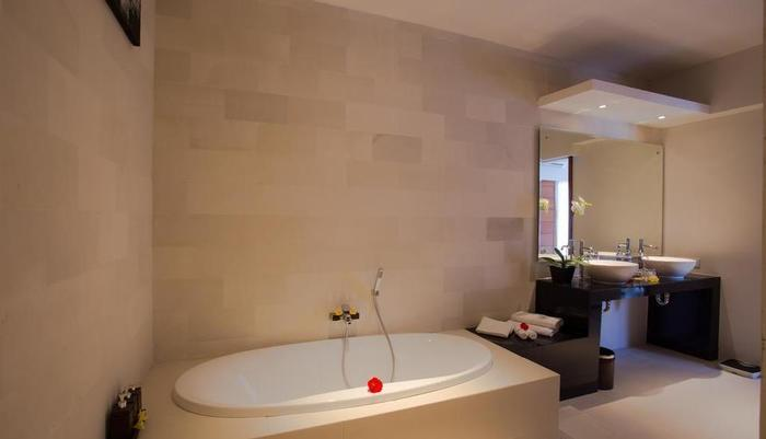 The Light Exclusive Villas & Spa Bali - Kamar mandi