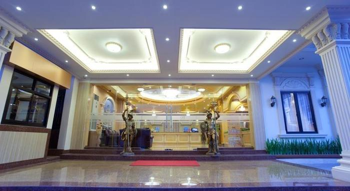 Hotel Grand Town  Makassar - Pintu Masuk
