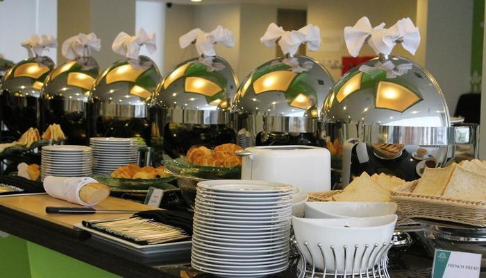 Pesonna Hotel Pekanbaru - breakfast