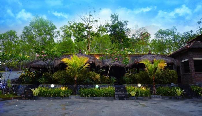Hotel Orchid Wonosari - Teras gazebo