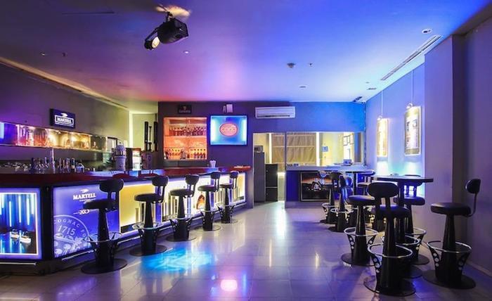 Tinggal Premium at Mangga Besar Raya Jakarta - Bar
