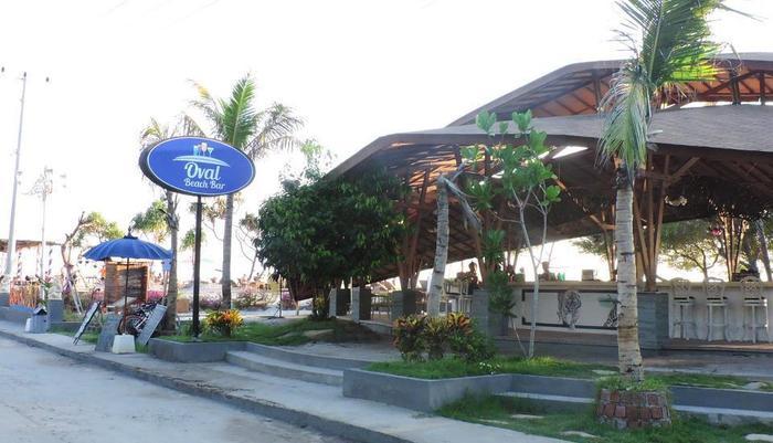 Pandawa Beach Villas & Resort Lombok - Bar Oval