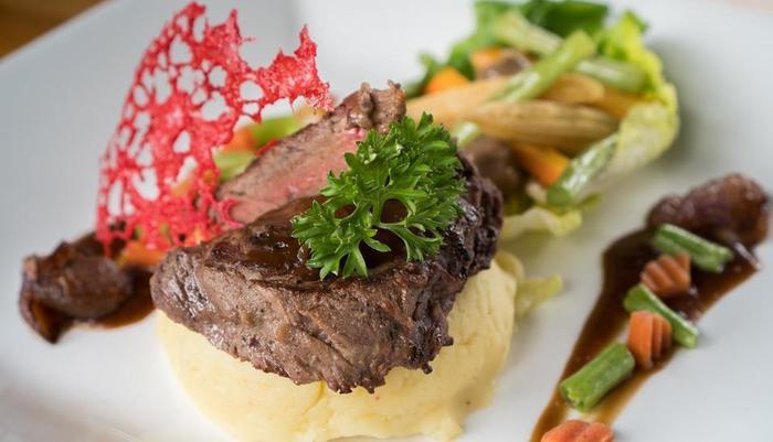 Pandawa Beach Villas & Resort Lombok - food