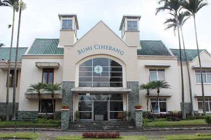 Bumi Ciherang Hotel Cianjur - Exterior