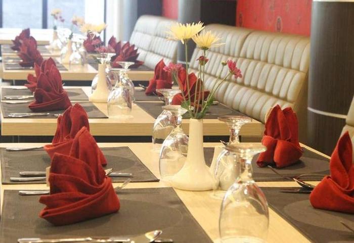 Move Megaland Hotel Solo - Restoran
