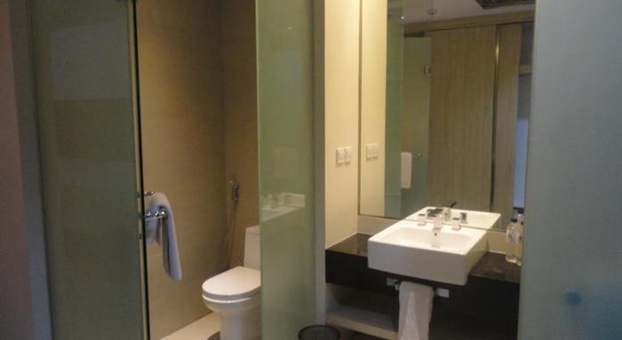 Move Megaland Hotel Solo - Kamar mandi