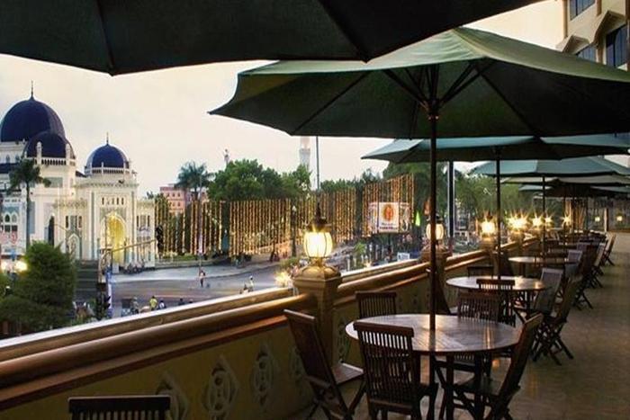 Hotel Madani Syariah Medan - Balkon