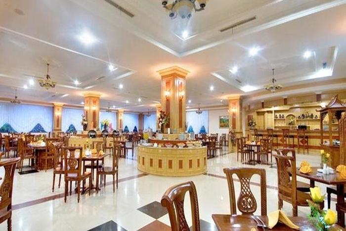 Hotel Madani Syariah Medan - Ruang Makan