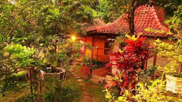 The Riverside Jogja Hotel Yogyakarta - Cottage