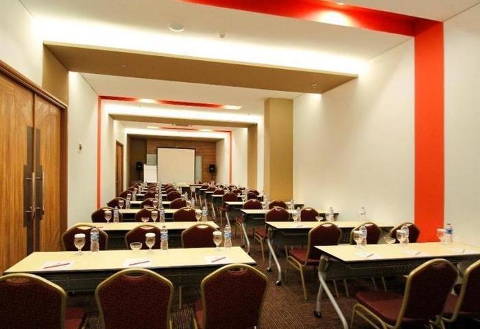 BnB Hotel Bandung Bandung - Meeting Room