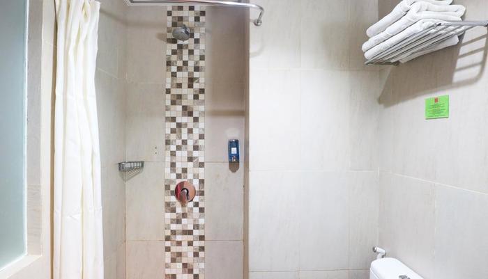 D' Hotel Jakarta - Dream Bathroom