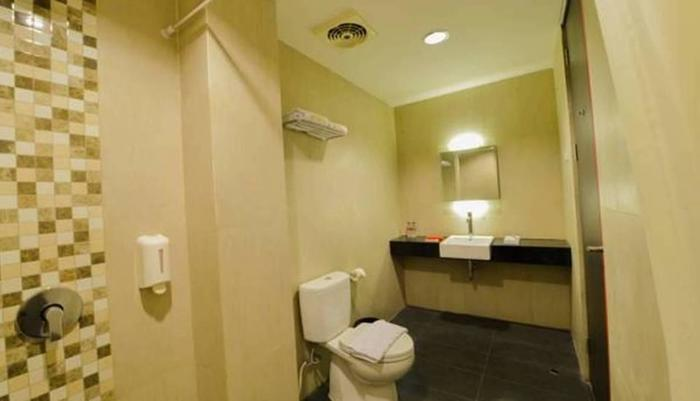 D' Hotel Jakarta - 12
