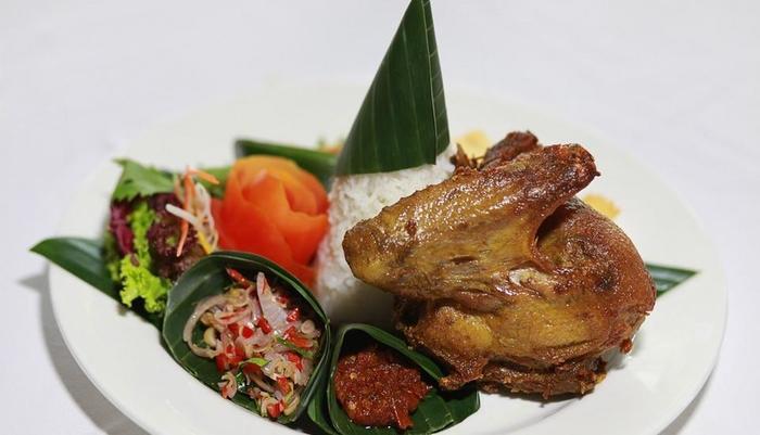 Lumbini Luxury Villas and Spa Bali - Bebek Goreng Ala Lumbini
