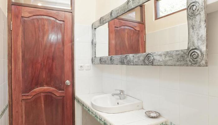 RedDoorz @Sukma Kesuma Ubud Bali - Kamar mandi