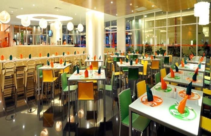 Hotel HARRIS Kelapa Gading - Restaurant