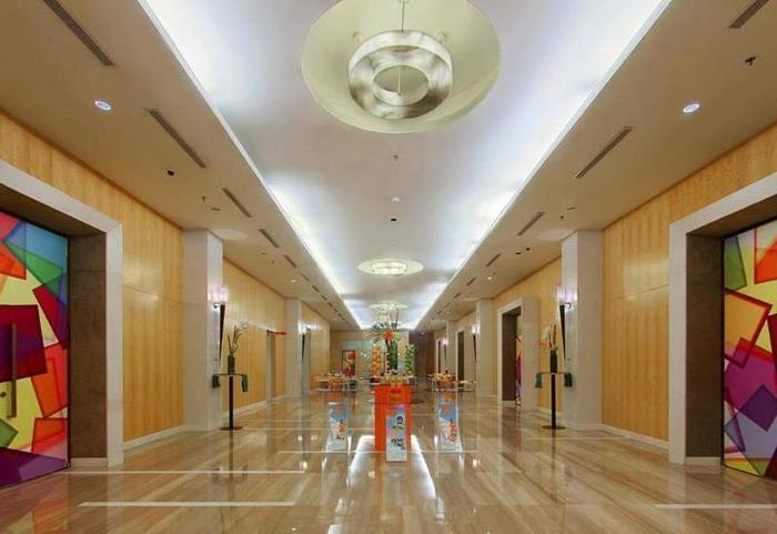 Hotel HARRIS Kelapa Gading - Corridor