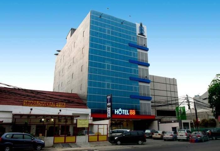 Hotel 88 Mangga Besar Jakarta - Hotel Building