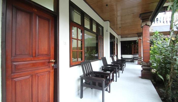 Simpang Inn Bali - Balcony