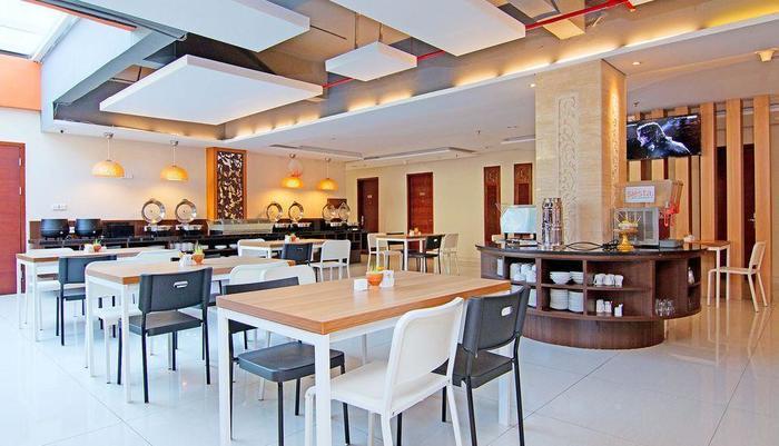 ZenRooms Bunut Sari Legian - Restoran