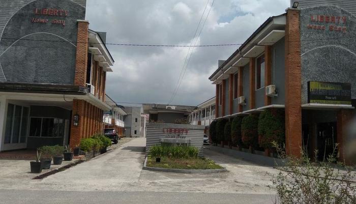 Liberty Homestay Pekanbaru - Outside
