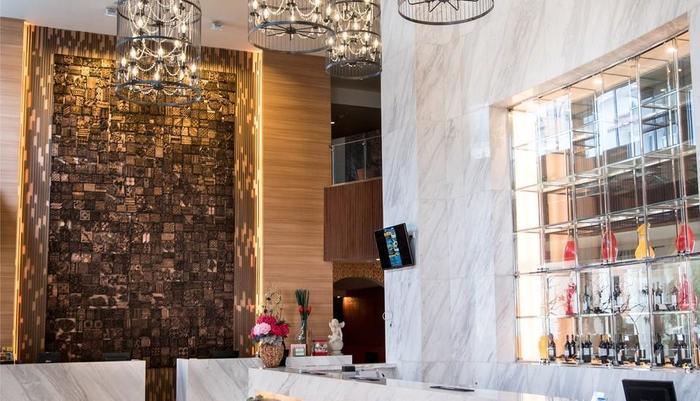 Crown Vista Batam - Lobi & Bar