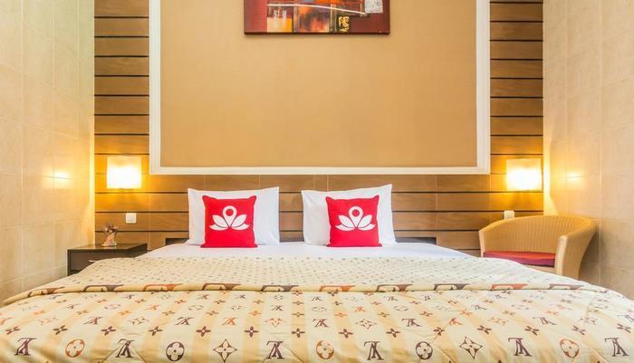 ZenRooms Kedonganan Bantas Kangin Bali - Tampak Tempat Tidur Double