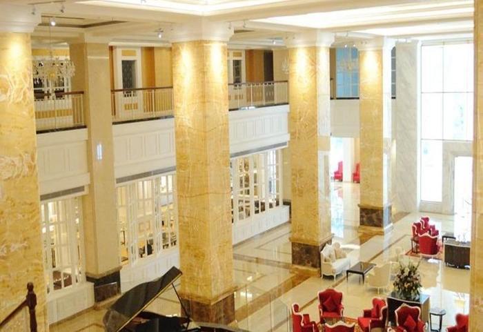Adimulia Hotel Medan - Lobi