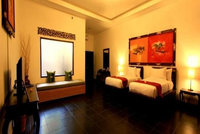 Ubud Raya Hotel Bali - Ruang tamu dengan tempat tidur twin