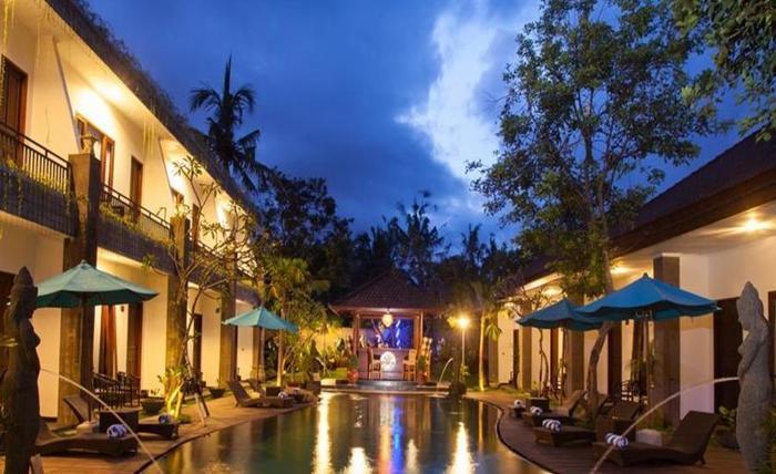 Ubud Raya Hotel Bali - Kolam Renang